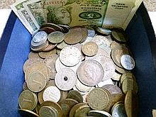 Coins - Quantity of various foreign coinage and bank notes
