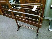 Early 20th Century mahogany towel rail