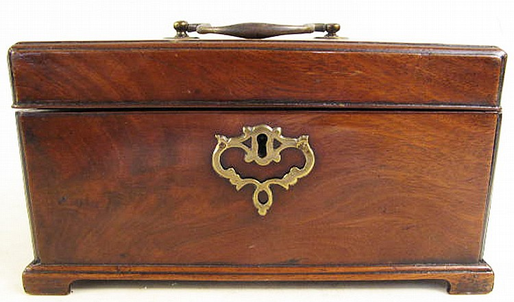 GEORGIAN MAHOGANY DOUBLE FOOTED TEA CADDY. With