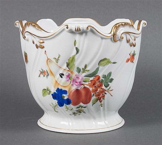 Herend porcelain cachepot in the