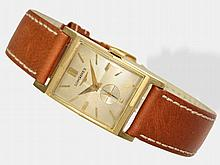 Longines gentlemen's wristwatch with square goldcase, ca. 1945
