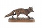 Pierre-Jules MÈNE (1810-1879) Renard debout. Sujet en bronze à patine brune mordorée. Signé. H. : 7,5 cm. L. : 15,5 cm. P. : 5,5 cm. Bibliographie : Michel Richarme et Alain Poletti, Pierre-Jules Mène catalogue raisonné, Edition Univers du bronze,