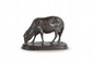Rosa BONHEUR (1822-1899) Mouton broutant. Sujet en bronze à patine brune nuancée. Signé. H. : 16 cm. L. : 21 cm. Bibliographie : Christopher Payne, Animals in bronze, Éditions Antique's Collector Club, 1986, p. 371, n° 5 G. Grazing Sheep. Bronze with