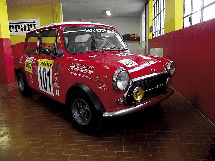 Innocenti Mini Cooper 1300 - 1972 Numéro de châssis : #173141 Au milieu des années 1960, l'officine italienne Innocenti lance la production de Mini fabriquées sous la licence de la British Motor Corporation. Si les moteurs étaient acheminés