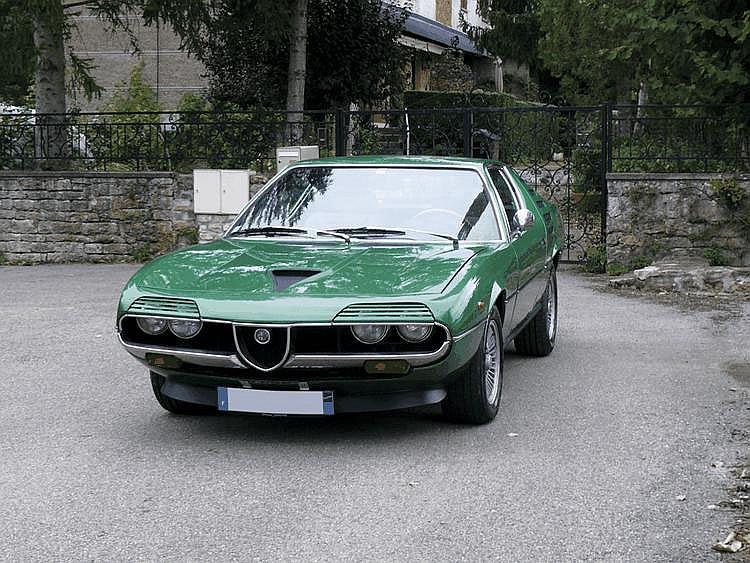 Alfa Romeo Montreal (Tipo 10564) - 1973 Numéro de châssis : #AR1427744 C'est à Montréal que se tint l'Exposition Universelle en 1967, année du centenaire de la Confédération canadienne. Autour du thème « Terre des Hommes », en référence au livre