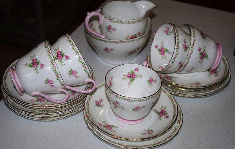 Shelley part teaset