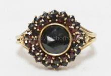 14K GOLD (2.80 DWT) RING WITH LARGE CENTER GARNET SURROUNDED BY 47 SMALLER GARNETS.