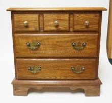 PENNSYLVANIA HOUSE 3 DRAWER CHEST. 22 1/4 IN WIDE. 22 1/4 IN TALL.
