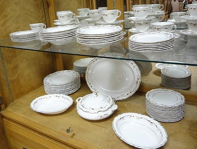 89 PC ROYAL DOULTON *STRASBOURG* DINNERWARE SET;