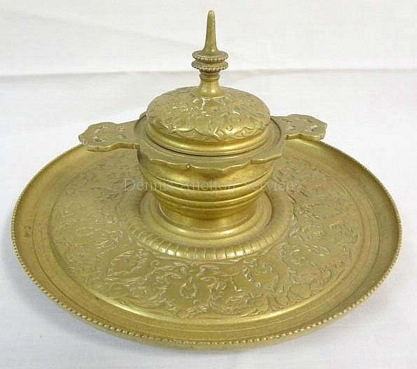 TIFFANY & CO MAKERS BRASS INKWELL W/GLASS LINER; 7