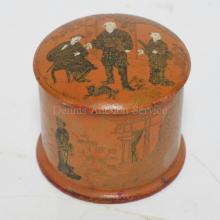 DECORATED WOODEN JAPANESE BOX. 3 1/2 IN DIA.