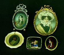 Lot of 5 miniatures in different sizes, periods