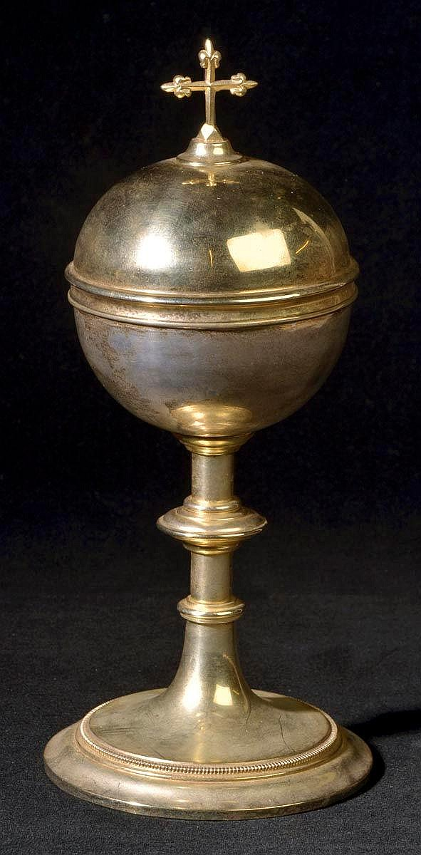 * A large 20th century ciborium, circa 1960, upon