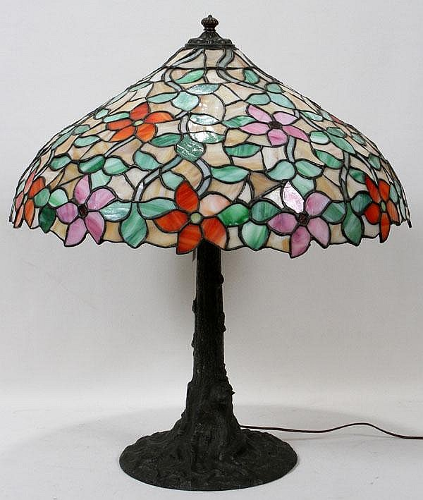 LEADED GLASS TABLE LAMP, H 28