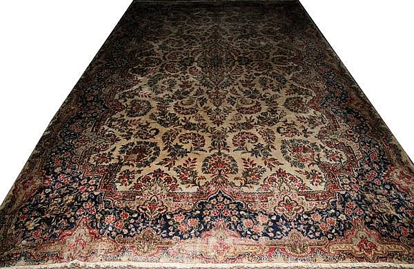 KERMAN, WOOL PERSIAN CARPET, 9'8