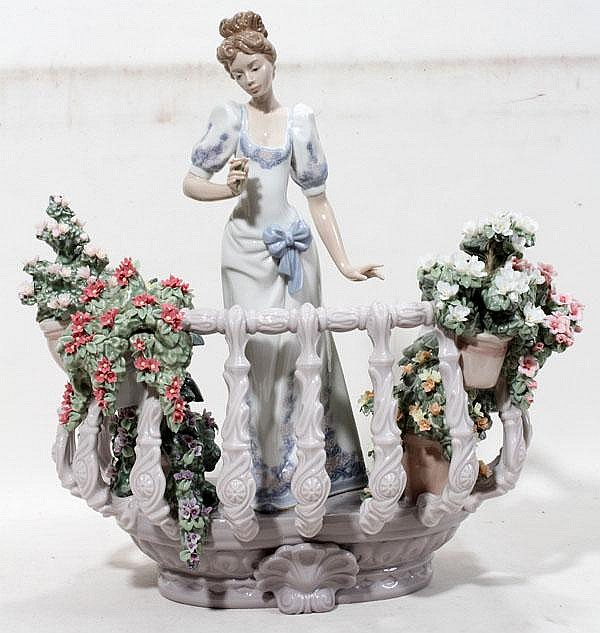 LLADRO PORCELAIN FIGURINE, 'FAR AWAY THOUGHTS', 1220/1500, H 13