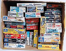 MODEL KITS: 30x plastic model kits to include Italeri, Heller, Roco, KM, Academy and others.  From a