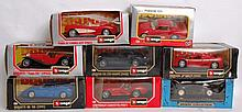 DIECAST: A collection of 8x 1:24 scale Burago diecast model cars.