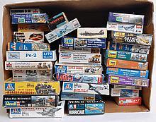MODEL KITS: 30+ plastic model kits - aeroplanes, figures and trains - Zvezda, Revell, Academy, Imex