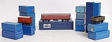 HORNBY; A good collection of vintage Hornby 00 Gauge railway trainset carriages / tenders, comprisin