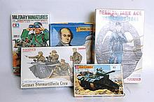 MODEL KITS: A selection of model kits including Dragon, Tamiya, Matchbox and Lingberg. Each unmade.