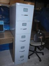 4 Drawer Metal Filing Cabinet - Note: Shipping not available for this item. Buyer Must Pick up or arrange for pick up!