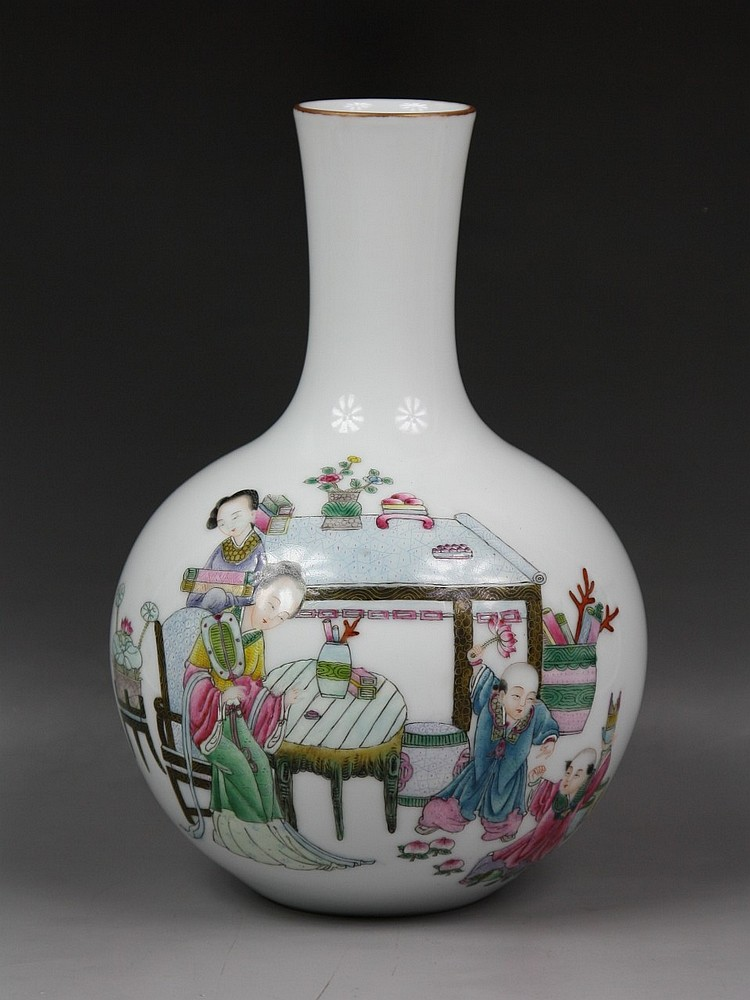Chinese Famille Rose Baluster-Form Vase, Minguo