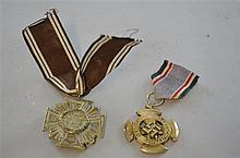 Period Third Reich 1st Class Luftschultz medal, gilt on alloy type, unmarked, complete with ribbon and catch,
