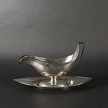 Silver navette-shaped sauceboat. Paris 1798-1809