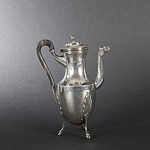 Sterling silver coffee pot. Paris, 1798-1809