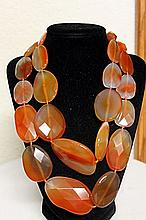 LADIES BEAUTIFUL AGATES NECKLACE