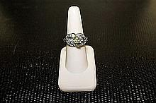 Lady's Beautifull 18 kt White Gold over Sterling Silver Diamond Ring. JA2424