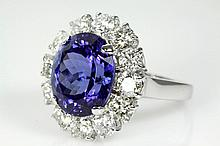 Oval Tanzanite of 7.31ct and Diamond Ring