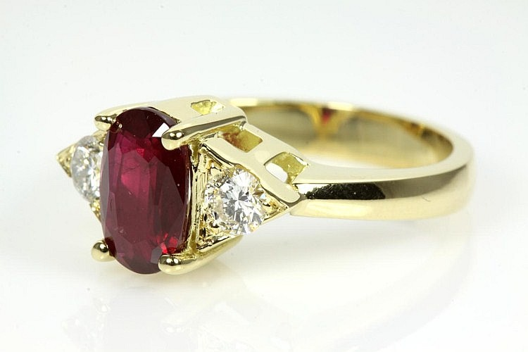 Oval Ruby and Diamond ring GSL