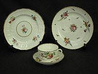 A GROUP OF 19TH CENTURY PORCELAIN ITEMS, to