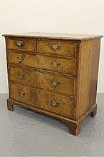 EARLY 18TH CENTURY WALNUT STRAIGHT FRONTED CHEST