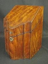 18TH CENTURY CROSSBANDED AND INLAID MAHOGANY SLOPE