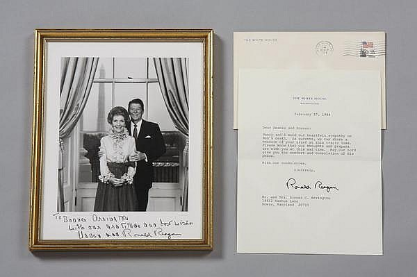 President Reagan photo & note, signed