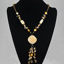 Cream White Agate Coral & Crystal Bead Necklace 62.10 grams