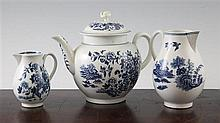 A group of Worcester Fence pattern items, c.1775,