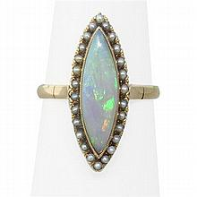 Antique 18K Gold Opal Pearl Ring