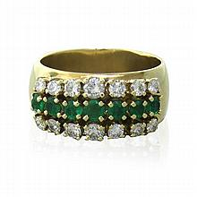 14k Gold Diamond Emerald Band Ring