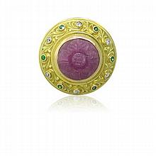 18K Gold Carved Ruby Emerald Diamond Ring