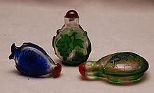 Collection of 3 Peking glass snuff bottles, 2 3/8