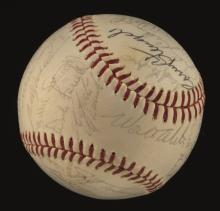 1964 National League All-Star Team signed baseball. Spalding W.Giles Official National League baseball has been signed by (28) incl. Clemente, Stengel, Alston, Santo, Stargell, Drysdale, Flood, Bunning, Marichal, Koufax, Boyer, Mazeroski, and