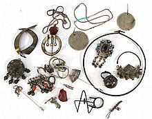 Lot of silver jewelry