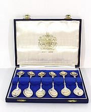 Royal Commemorative set with six sterling silver teaspoons