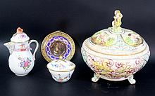 Lot of four porcelain items