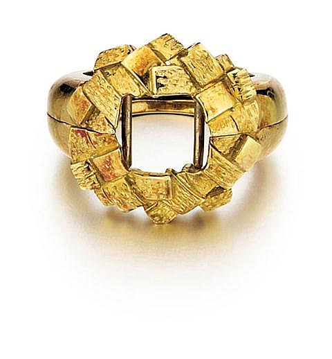 18kt Yellow Gold Lady's Hinged Ring Guard