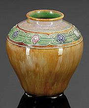 Vase Royal Doulton, England 1922-1956. - umla...